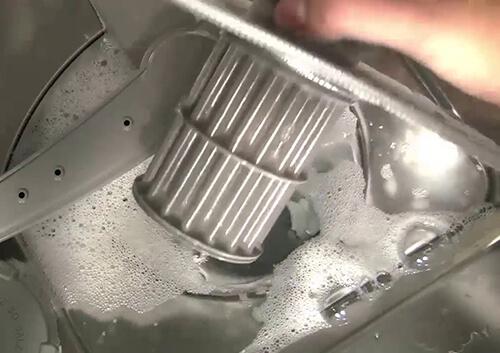 Máy rửa bát Bosch không thoát nước